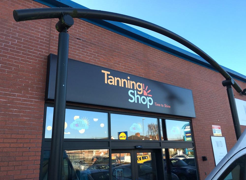 Tanning Shop - Derby 6